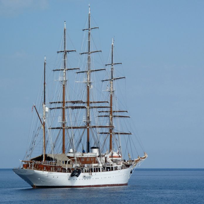 liveaboard travel package