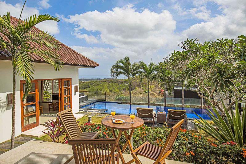 Relax in luxury Villa Jimbaran Bali