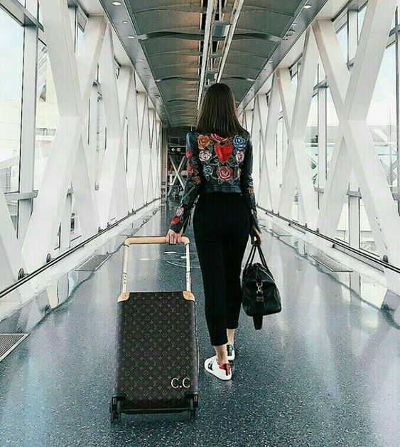 How To Dress Appropriately For Air Travel